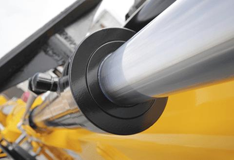 I TotalEnergies' sortiment av hydrauloljor hittar du flera olika högkvalitativa alternativ för alla ändamål.