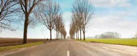 Azalt fra TotalEnergies er bitumen tilveje og andre asfalterede områder og findesi mange varianter.