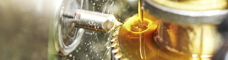 TOTAL har smøreolier til mange formål og flere typer maskiner og applikationer i flere sektorer i industrien.