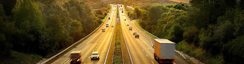 Letar du efter smörjmedel som är godkända av ledande motortillverkare? TOTALs produktsortiment erbjuder innovativt utvecklade smörjmedel till alla typer av fordon, rekommenderade och godkända av världsledande tillverkare.